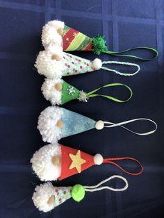 Cute collection of gnomes using a homemade pom pom and a wood plug nose Christmas Crafts To Make, Christmas Gnome, Winter Christmas, Christmas Decorations, Xmas, Christmas Ornaments, Pom Pon, Diy Ideas, Craft Ideas