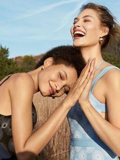 Estampas Florais e Listras Coloridas invadem o vero 2017 na Vogue USA fevereiro 2017  Fragmentos de Moda