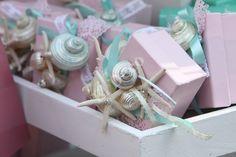 """#Μπομπονιέρες #Βάπτισης με θέμα """"Βυθός της Θάλασσας"""" σε αποχρώσεις του ροζ και του βεραμάν! #ElDeco #Baptismfavour with seashells"""