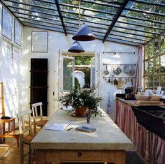 Conservatory: non solo per le piante. Quando serve un tetto, ma anche tanta luce. (un pensiero di Sabrine, FRAGOLE A MERENDA)