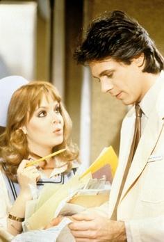 Nurse Amy Vining & Dr. Noah Drake (Shell Kepler & Rick Springfield)