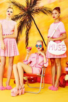영경탑의넥크,소맷단배색디테일.Nail the Malibu Barbie look with inspo from Moschino's Cheap and Chic S/S 2014 lookbook