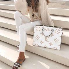 Pfau lou Pfau lou Cheap Best High Quality Replica Chanel bags and purses on sales Dior replica bags Marca Louis Vuitton, Louis Vuitton Bags, Louis Vuitton Designer, Designer Totes, Designer Bags, Designer Handbags, Dior Designer, Designer Crossbody Bags, Gucci Handbags