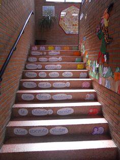 Escalera_lectora_RemediosCastillo-02 School Decorations, Classroom Decor, Foyer, Salons, Reading, Wall, Kids, School, Children's Library