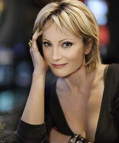 Patricia Kaas - love the hairstyle