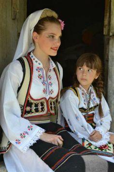 Serbian beauties, folk costumes
