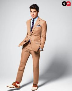 It's about time I see Darren Criss in the men's fashion category!!