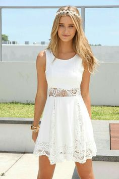 Cute white summer dress and perfect summer outfit for the beach, casual dress for the day or evening dress. Look sexy and young in this cozy dress! Click on the pin for more details!