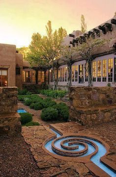 Not that I really want to see Santa Fe, New Mexico but this place is gorgeous!
