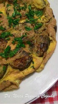 Da Nossa Pequena Cozinha: Omelete com jiló #CozinhaAmericana Crepes, Mahogany Flooring, Carne, Eggs, Beef, Poses, Omelettes, Buttermilk Pancakes, Little Kitchen