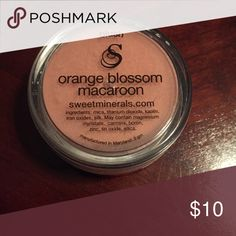 Sweet Minerals Blush - Orange Blossom Macaroon Sweet Minerals Blush - Orange Blossom Macaroon (New). This makeup lasts so long, I'm trying to get rid of my stock because I can't use it fast enough. This is 18 hour wear with no bismuth or talc (I'm allergic to bismuth so this is great for those who can't wear Bare Minerals or Sheer Cover). 4x concentrated so a little goes a very long way. Excellent coverage all day. Sweet Minerals Makeup Blush