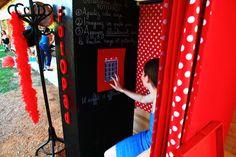 """sur apple store: application """"ma jolie cabine"""" ou """"my vintage photo booth"""" ==> appli pour Ipad pour faire un joli photobooth maison pour son mariage!"""