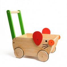 Schattige houten duwwagen muis, €45,00