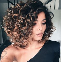"883 Likes, 12 Comments - Cabelo Curto / Short Hair (@cabeloscurtosbr) on Instagram: ""@luanaledz ❤️"""