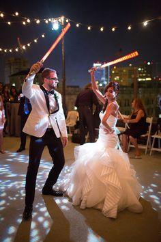 Esta boda inspirada en La guerra de las galaxias es tan friki como chic (FOTOS)