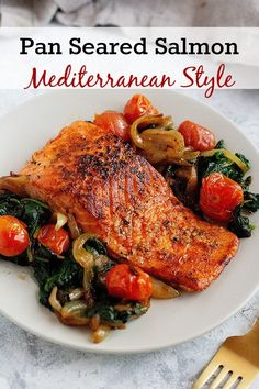 Pan Seared Salmon RecipeEverything you need to know about pan. Pan Seared Salmon Recipe Everything you need to know about pan seared salmon. From what salmon to use to a fool proof tutorial on how to sear salmon fillet. Salmon With Skin Recipes, Salmon Recipe Pan, Seared Salmon Recipes, Pan Fried Salmon, Oven Baked Salmon, Pan Seared Salmon, Grilled Salmon, Side Dishes For Salmon, Fish Dishes
