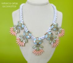 Statement necklace sweet colors. Rebeca Arias Accesorios