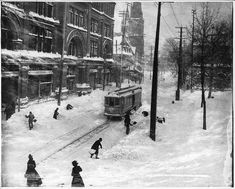 Snow clearing along St Catherine Street, Montreal, Quebec, Canada - 1901 Old Montreal, Montreal Ville, Montreal Quebec, Quebec City, Photo Vintage, Vintage Photos, Vintage Photographs, Old Pictures, Old Photos