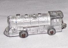 Vintage Diecast BARCLAY 335 Railroad LOCOMOTIVE Metal Train Engine RR Silver Toy