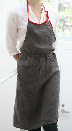 "Red Strap ""Mira"" Full Linen Apron. By linoelina.jp"
