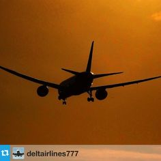 @deltairlines777 posted this image of a #thomson Boeing 787 coming in to land at sunset. Great shot and thank you for sharing!