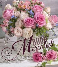 Buongiorno a tutti ! Italian Memes, Months In A Year, Good Morning, Floral Wreath, Wreaths, Creative, Flowers, Italy, Short Messages