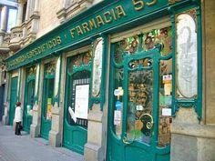 Farmàcia Mestre i Boleda (Modernista-1902 - Gran Via de les Corts Catalanes 540 Barcelona) Inaugurada por R. Rapesta. En 1933 pasó a Joaquim Granados i Borell y en 1970, pasó a Josep Mestre i Raventos. En la actualidad el propietario es Ramon Mestre i Boleda.