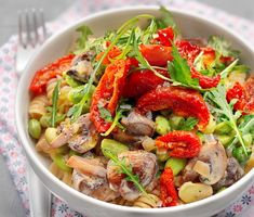 Recept: Svamppasta med soltorkade tomater och oregano