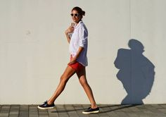 Superga - My Daily Style Superga Outfit, White Button Shirt, White Summer Outfits, We Wear, How To Wear, Red Shorts, Summer Looks, White Tops, Daily Fashion