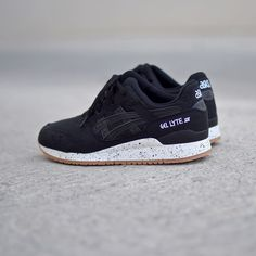 Asics Gel Lyte III Black Canvas  Gum.  Disponible sur SNKRS.  Available on SNKRS.COM.  Collection Summer 2016.  #igsneakers #igsneakercommunity #instakicks #kickstagram #asics #asicsgellyte3 #asicsgellyte3 #wdyw #wdywt #ootd #rare_footage #instashoes #todayskicks #soleonfire #kicks #sneakers #snkrs by snkrs