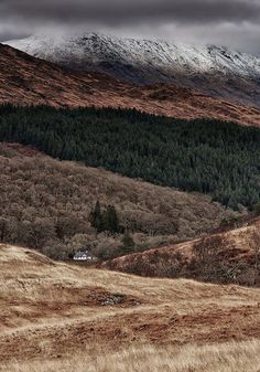 Snow Capped Ceann Loch Uachdrach in the highlands of Scotland, by Mark Mullen Image Nature, All Nature, Amazing Nature, Beautiful World, Beautiful Places, Landscape Photography, Nature Photography, Travel Photography, To Infinity And Beyond