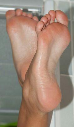 Beautiful Toes, Pretty Toes, Feet Soles, Women's Feet, Foto Real, Sexy Sandals, Foot Toe, Female Feet, Sexy Legs