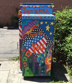 Patriotic themed mural on a utility box in Auburn on Highway 49.