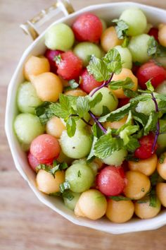 Mint & Melon Salad - Just sub the honey for agave syrup to make it vegan :) Fruit Recipes, Brunch Recipes, Salad Recipes, Cooking Recipes, Easter Recipes, Watermelon Recipes, Watermelon Salad, Melon Ball Recipes, Cantaloupe Salad