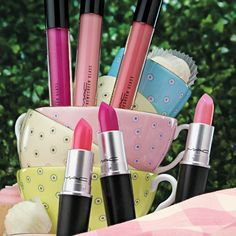 MAC Flamingo Park Collection for Spring 2016 - My Best Makeup List Makeup List, Mac Makeup, Makeup 2016, Pink Makeup, Love Makeup, Makeup Trends, Beauty Trends, Beauty Bar, Beauty Makeup