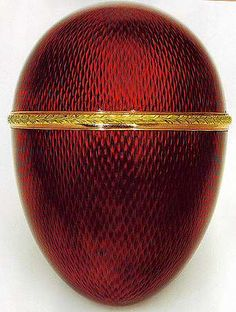Scandinavian egg ( Quisling egg) enamelled Easter egg by Michael Perchin under supervision of Fabergé The egg was made for a St. Petersburg client, one of the very few not made for the Russian Imperial Family. HAPPY EASTER to all ~AmyLH~ Fabrege Eggs, Egg Art, Egg Shape, Objet D'art, Egg Decorating, Shades Of Red, Red Color, Easter Eggs, Burgundy