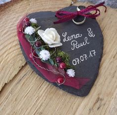 Anillo almohada Slate Heart Claret with name date Handmade Pillows, Handmade Gifts, Wood Slice Crafts, Wedding Decorations On A Budget, Wedding Ideas, Christmas Planning, Ring Pillow, Heart Pillow, Floral Bouquets