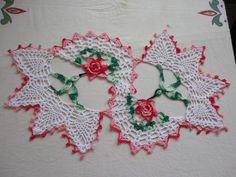 This was in my to do list for a long time, and I am happy that I finally made this. This is Hummingbird Irish Rose doily, I remember the pattern name only; forgot from where I got this pattern. It …