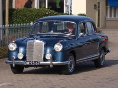 1959_Mercedes-Benz_220S_pic1.JPG (2739×2055)