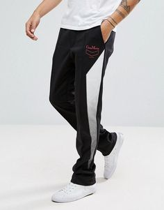 Discover men's pants & chinos on sale at ASOS. Choose from the latest collection of pants & chinos for men and shop your favorite items on sale. Track Pants Mens, Mens Jogger Pants, Jogger Sweatpants, Stylish Men, Men Casual, Latest Fashion Clothes, Fashion Online, Joggers Outfit, Asos