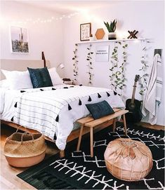 Tumblr Bedroom Decor, Boho Bedroom Decor, Boho Room, Room Ideas Bedroom, Bedroom Designs, Bedroom Inspo, Boho Teen Bedroom, Cheap Bedroom Decor, Cheap Bedroom Makeover