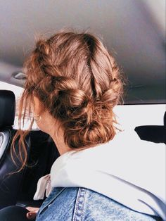 Sporty Hairstyles, Summer Hairstyles, Pretty Hairstyles, Braided Hairstyles, Volleyball Hairstyles, Athletic Hairstyles, Hairstyles Medium Hair, Teen Hairstyles, Hair Inspo