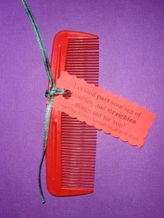 This comb palanca/agape idea is a practical gift that will work for any weekend and can be used after it as well. Object Lessons, Bible Lessons, Secret Sister Gifts, Prayer Partner, Childrens Sermons, Christian Crafts, Christian Symbols, Religion Catolica, Bible Crafts