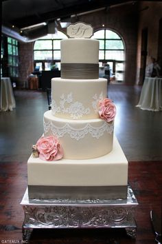 Delicate lace Cake - Robin Martin, owner of Gateaux Inc. in Plymouth, Minnesota