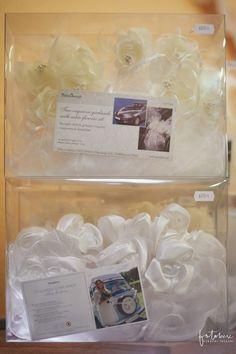 Előregyártott esküvői autódísz motorháztetőre