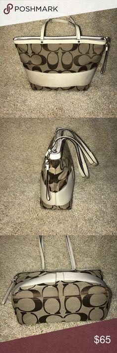 Coach purse Coach purse in great condition Coach Bags Shoulder Bags
