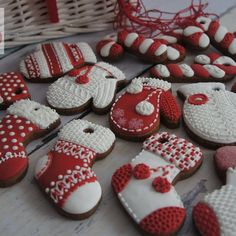 Here are the best Christmas Cookies decorations ideas for your inspiration. These Christmas Sugar Cookies decorated with royal icing are cutest desserts. Christmas Stocking Cookies, Easy Christmas Cookie Recipes, Christmas Sugar Cookies, Christmas Crafts For Gifts, Easy Cookie Recipes, Christmas Gingerbread, Noel Christmas, Holiday Desserts, Holiday Cookies