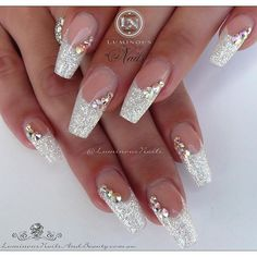 Luminous Nails: White Christmas Acrylic Nails With A Touch Of Red! with Red And Gold Christmas Acrylic Nails Fabulous Nails, Gorgeous Nails, Pretty Nails, Wedding Nails For Bride, Bride Nails, Bling Wedding Nails, Wedding Acrylic Nails, Glitter Wedding, Wedding White