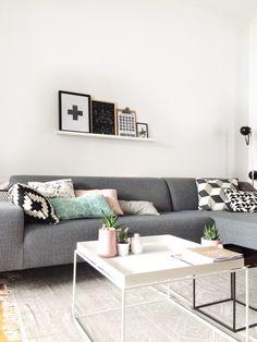 Woonkamer grijs en okergeel   Huis inrichting   Pinterest   Living ...