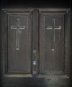 Lipstick kisses on the church door...  #iphoneonly #iphones #iphoner #iphoneographer #iphoneography #iphonephotography #iphonetography #iphonetographytours #phonetographytours #phonephotographer #phonephotos #Santorini #Greece #visit_Santorini #bestofsantorini #discoverGreece #bucketlist  #wanderlust #travelphotography #travelguide #travelgreece #summer #instatravel  #photo #phototour #instagreece #instagood #summer #bucketlistcheck #island_life